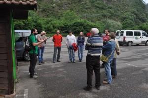 Pablo informando a visitantes de Santo Adriano