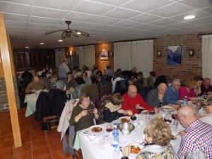 A la comida asistieron unos sesenta de socios y socias / Fotos de Nerea Álvarez Fernández