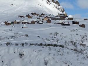 Pueblo nevado en Somiedo
