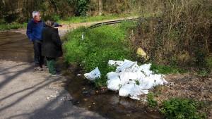 Los sacos con escombro denunciados por IxR