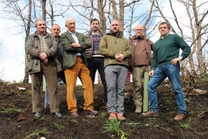 A la  primera plantación acudieron los alcaldes de Proaza y Santo Adriano