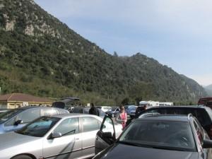 Vehículos estacionados en Buyera