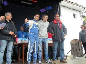 Guardiola, en el centro, junto a sus compañeros de Eda / Foto de Txuma Abarzuza