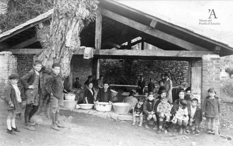 foto antigua museo pueblo asturias