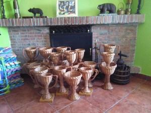 Los originales trofeos de mimbre