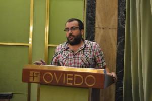 Toño Huerta durante su intervención, que incomodó al portavoz del PP Iglesias Caunedo