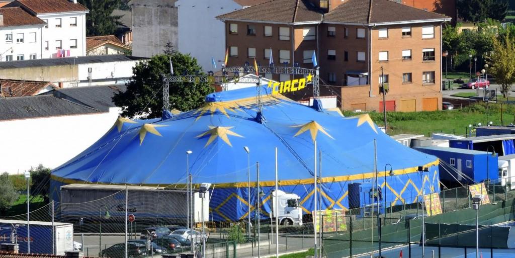 Circo Vienna. Foto de XUAN ALONSO