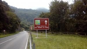 Una de las nuevas señales ubicada en Tuñón (Santo Adriano)