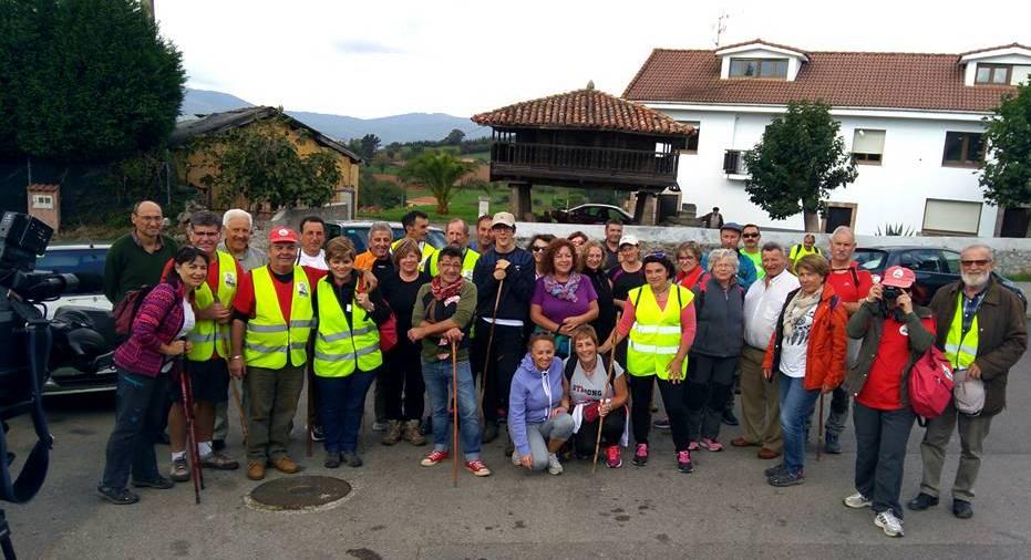 Participantes en el descenso de Torrestío