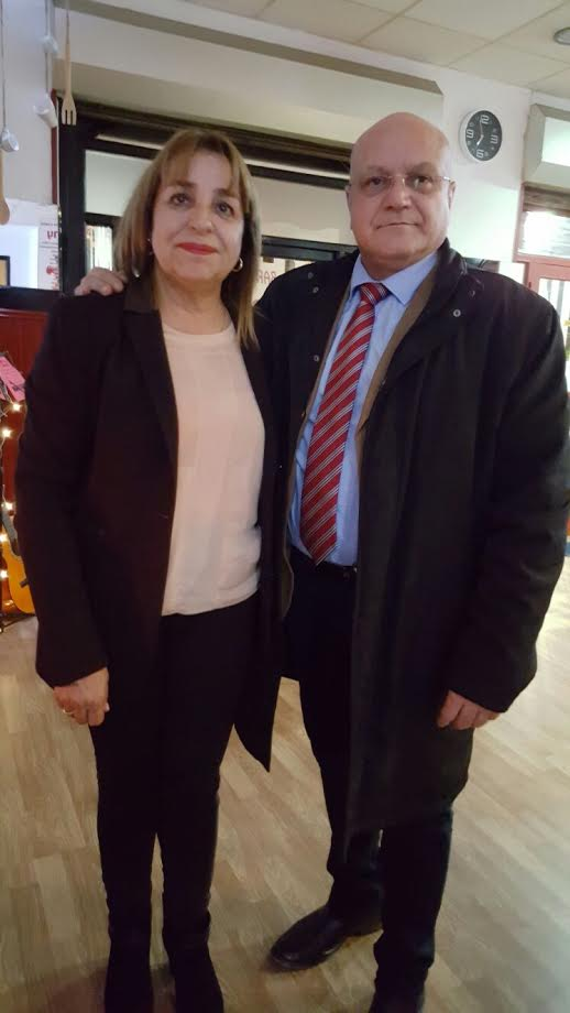 Maria Amor A. Ardura junto al cónsul de Cuba
