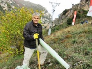 El alcalde de Somiedo, Belarmino Fernández, también echó una mano